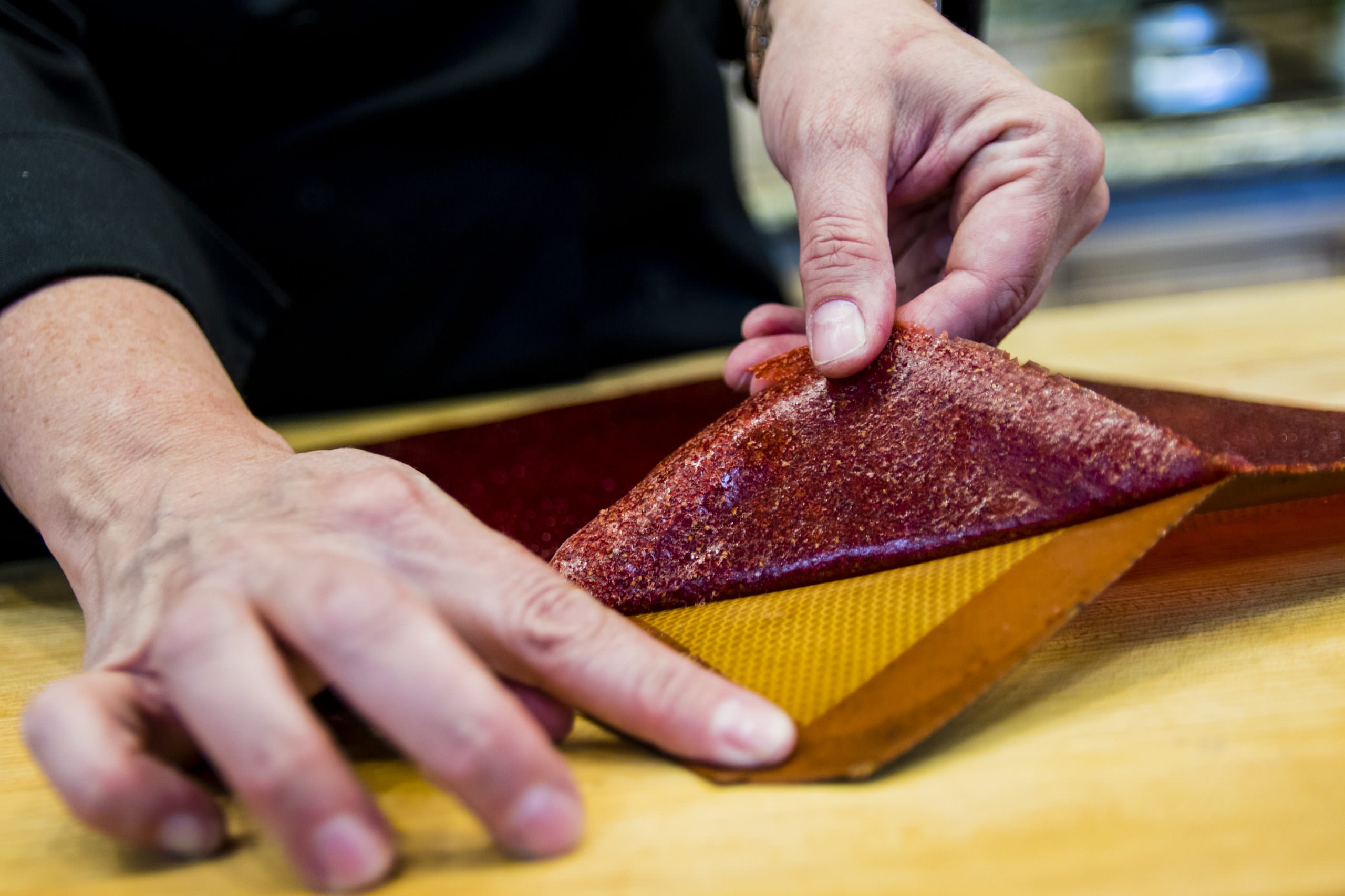 Fruit leather removing fruit leather from silpat01